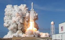 ¿Qué le espera a SpaceX tras el exito del lanzamiento del Falcon Heavy?
