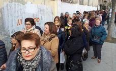 Colas multitudinarias para cumplir con Fray Leopoldo en Granada
