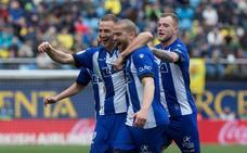 El Alavés logra un triunfo vital en un partido vibrante ante Villarreal