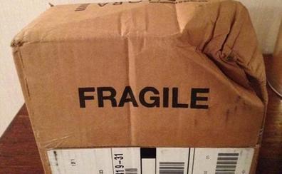 Descubren un terrible hallazgo en un paquete de mensajería