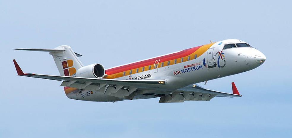 El vuelo Almería-Sevilla tienemás usuarios con menos vuelos
