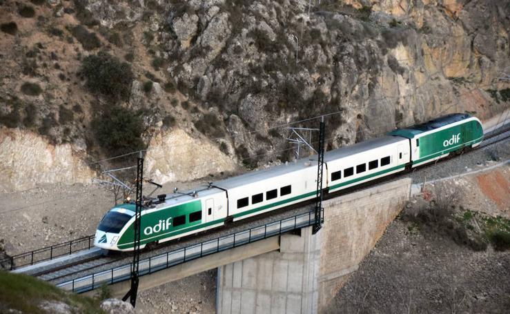 Vuelve a Granada el tren laboratorio de Adif