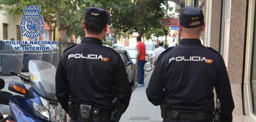 Atraca una cafetería de Almería y se lleva 5.400 euros