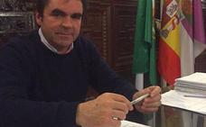 Recogen en Porcuna las firmas para la consulta popular sobre el alcalde