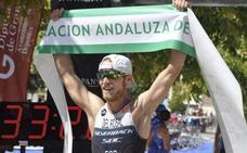 Del Rosal gana y acelera en Riogordo