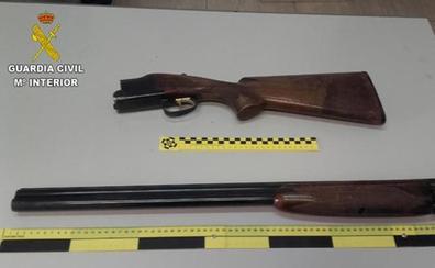 Se dedica a apuntar a varias personas por la calle con una escopeta cargada en Castellón