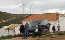 Secuestran a tres cabreros y matan a uno de ellos en un cortijo en Málaga