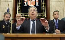"""Zoido pide no """"difundir bulos"""" sobre la desaparición de Gabriel para no perjudicar la investigación de la Guardia Civil"""