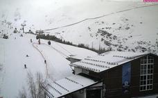 Abre la estación de Sierra Nevada tras permanecer cerrada este sábado por el fuerte viento