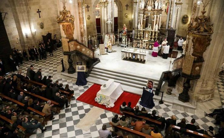La Catedral de Almería, llena para dar el último adiós a Gabriel