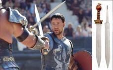 ¿Quieres tener la espada de 'Gladiator'?: Russell Crowe subasta todos sus objetos