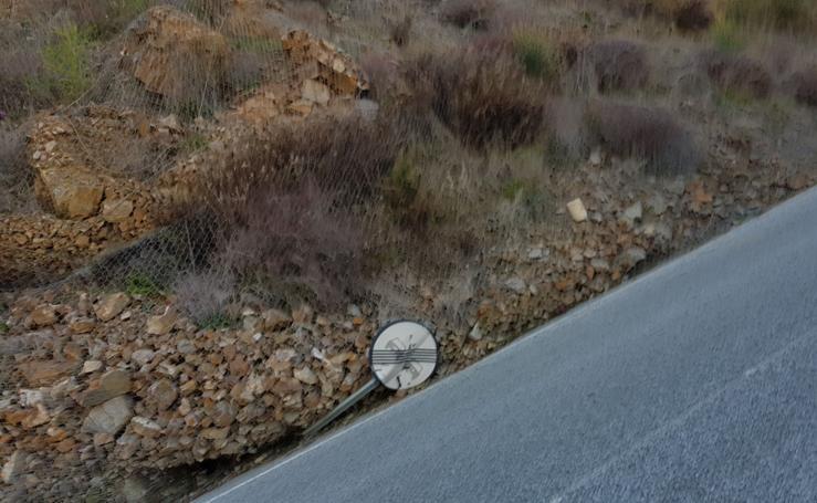 Así han estado en los últimos días algunas de las carreteras de la provincia