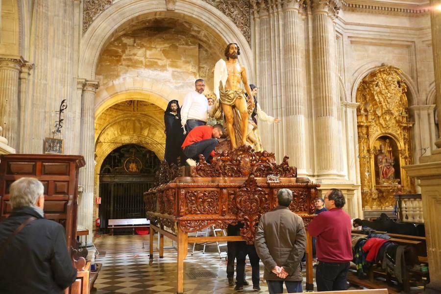 Granada pendiente del cielo en Semana Santa