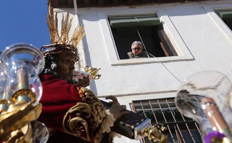 Via Crucis procesiona desde el Albaicín