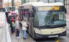 Los granadinos pasan de media 42 minutos al día en el transporte público