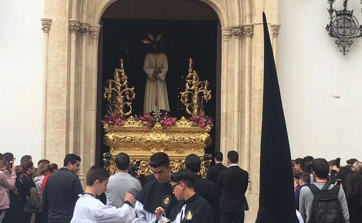 Rosario del Mar ya desfila por Almería en este Jueves Santo