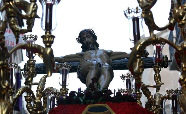 La Vera Cruz llena Jaén de respeto