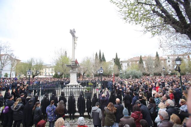 Todas las imágenes del Viernes Santo en Granada