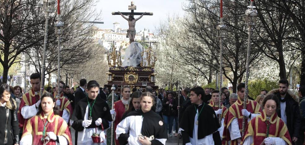 El Viernes Santo de Granada, en imágenes