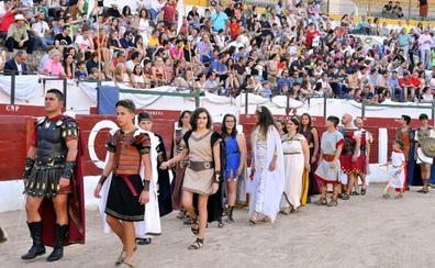 Más de 300 vecinos desfilarán en las V Fiestas de Cástulo