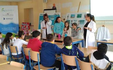 Aguasvira promueve el buen uso del agua entre más de 200 escolares de Atarfe