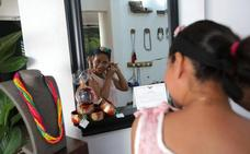 Las nicaragüenses que trasmutan basura en joyas