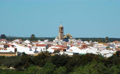 Fallece un niño de 2 años al desprenderse la cornisa de una vivienda encima en Sevilla