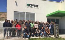 Koppert reúne en Almería a sus distribuidores de la península para formarles en control biológico