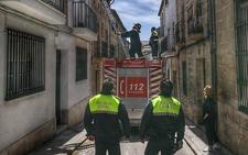 Rescatan a un niño de dos años encerrado en su casa de Baeza