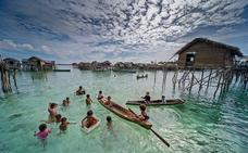 Descubren el misterio de la extraña tribu que aguanta 13 minutos bajo el agua