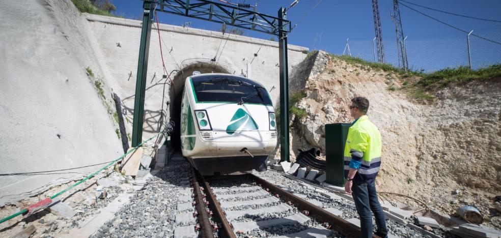El AVE superará los 300 Km/h en tres tramos pero tendrá que frenar en el embudo de Loja