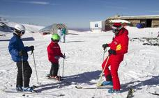 Los profesores de esquí reclaman una legislación para el uso de las pistas