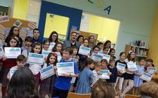 La Junta entrega los premios de sus concursos para festejar el Día del Libro
