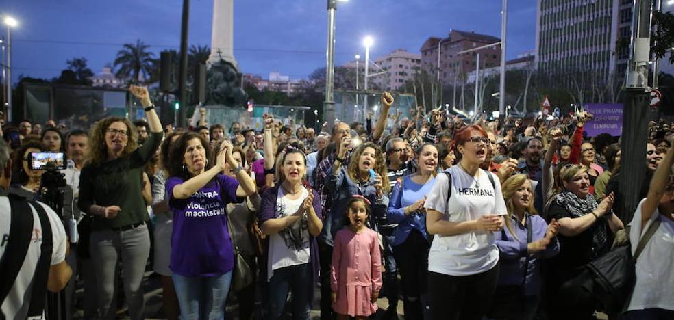 Protesta multitudinaria en Jaén por la sentencia de 'La Manada'