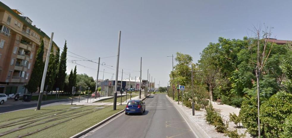Embiste a dos policías locales para saltarse un control de alcohol y drogas en Jaén