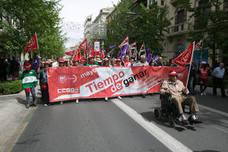 Unas diez mil personas alzan la voz en Granada por la dignidad laboral