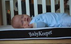 Crean el primer colchón que reduce la muerte súbita de los bebés y cambia de color cuando tienen fiebre