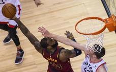 Otro triple-doble de James y un nuevo triunfo de Cavaliers