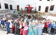 Las 53 cruces de este año en Granada y dónde verlas
