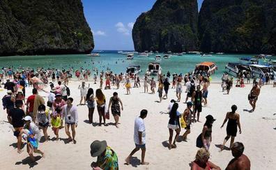 Hasta aquí hemos llegado: el turismo devora islas, playas y ciudades