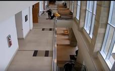 Un acusado huye de un juicio y salta desde un 2º piso