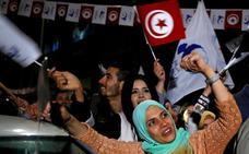 Los islamistas se imponen por un estrecho margen en las municipales tunecinas