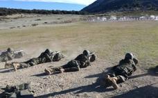Alumnos del Centro de Formación de Tropa nº 2 se adiestran en la Brigada X y en la Escuela de Paracaidismo