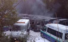 Calcinadas 35 ambulancias en un incendio desatado en Vizcaya en un presunto sabotaje