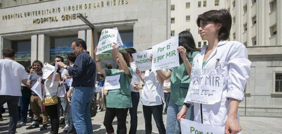 Los MIR secundan la huelga al 100% en Traumatología y en el hospital del PTS