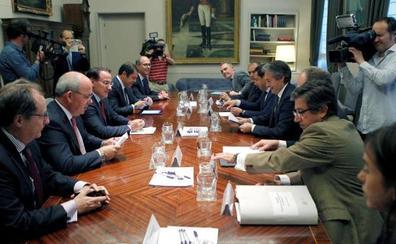 Los empresarios andaluces piden al ministro de Fomento que acelere las pruebas del AVE de Granada