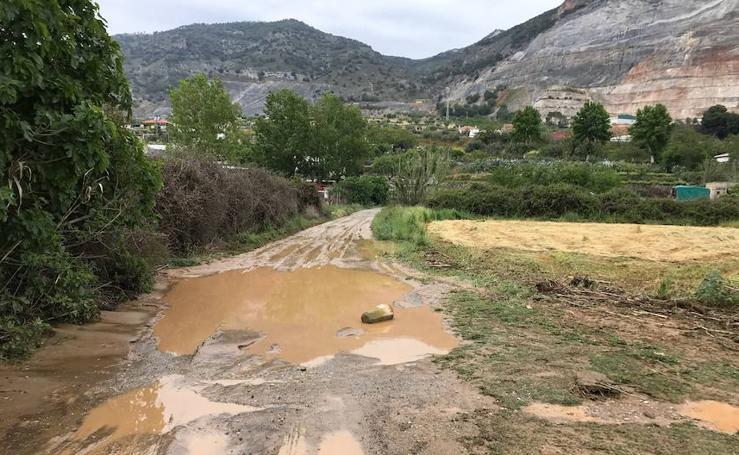 Una tromba de agua de más de 40 litros por metro cuadrado inunda Padul en media hora