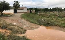 Los caminos a las granjas de Padul permanecen cerrados tras la tromba del domingo