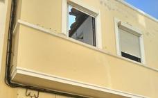 Rescatado un hombre de 81 años tras el desplome del tejado de su vivienda en Almería
