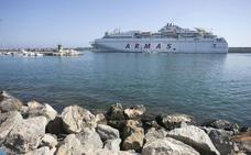 La naviera Armas deja de vender billetes de su línea Motril-Melilla y enciende las alarmas sobre su posible marcha